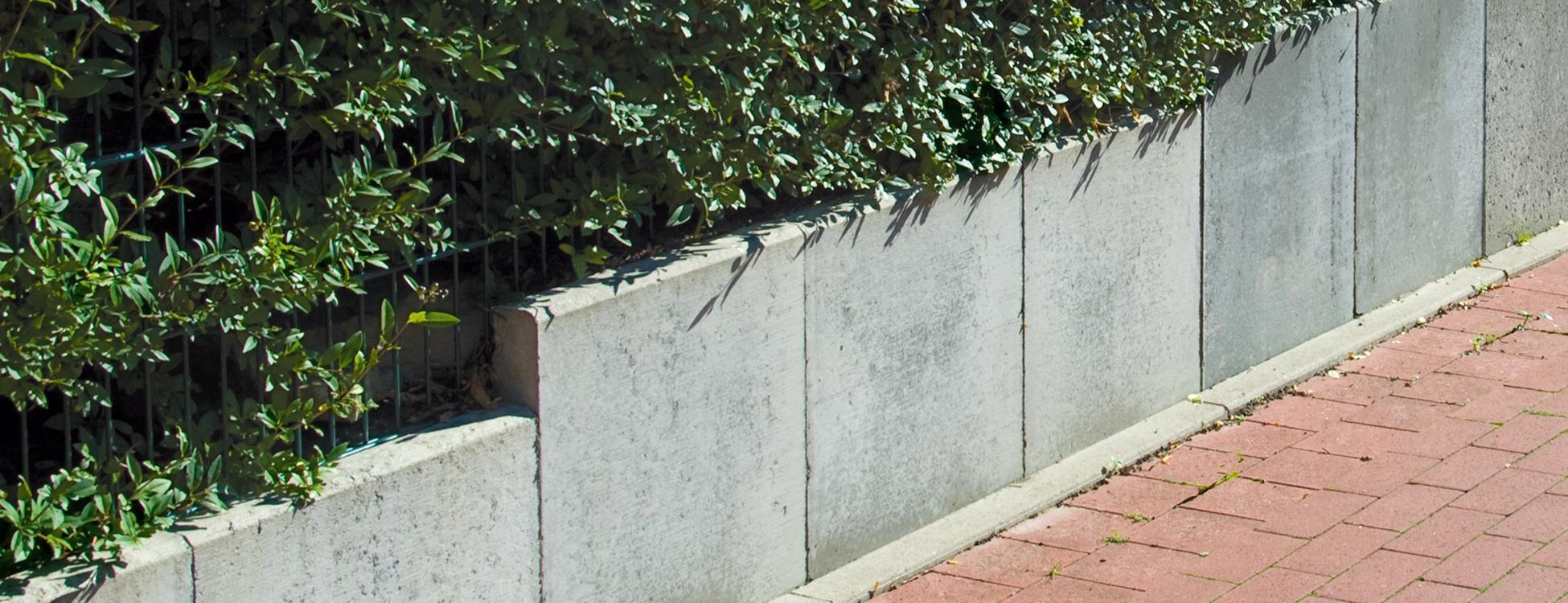 Trockenmauer und l steine am - L steine garten ...